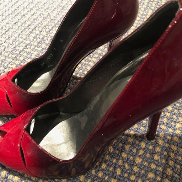 c2b69d5a0ad Stuart Weitzman Red Ombre Peep Toe Heels Size 7 M